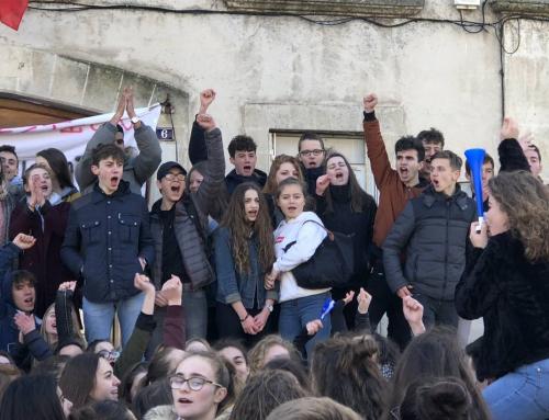Lycée Mézeray bloqué par les lycéens